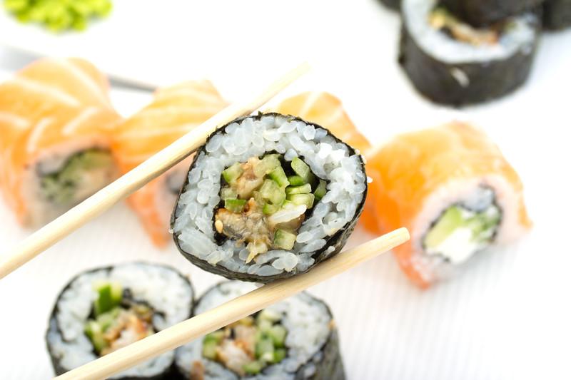canstockphoto17543590_sushi_Ostancov